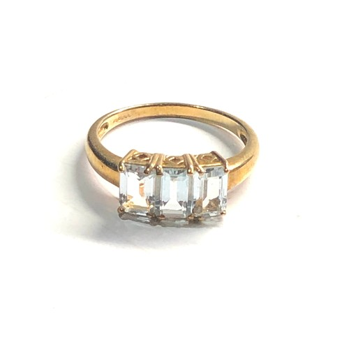 221 - 9ct Gold aquamarine ring 2.6g