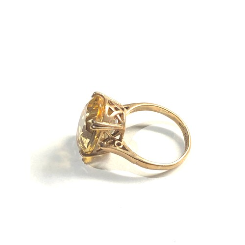 443 - 9ct Vintage dress ring set with oval citrine 4.9g