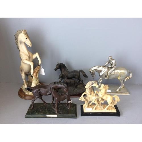 29 - 5 Various models of horses...