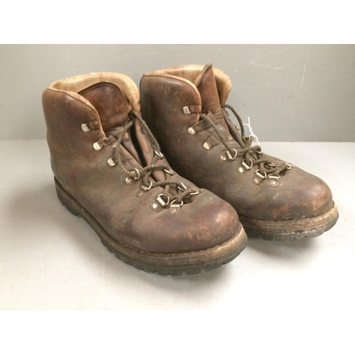 41 - Size 10 Vibram walking boots...