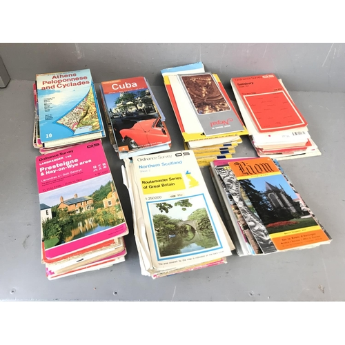 138 - Box of GB & Europe road maps...
