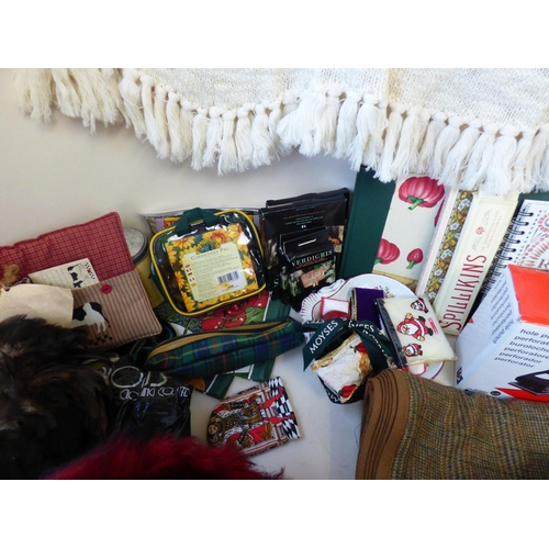 18 - Large qty of general house clearance items to include, soaps, general gifts, nick nacks, stationery ...