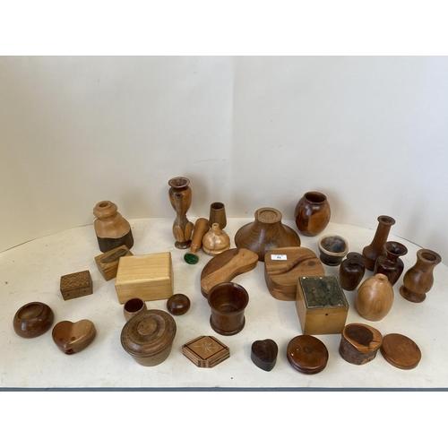 51 - Qty of  modern mixed wood treen...