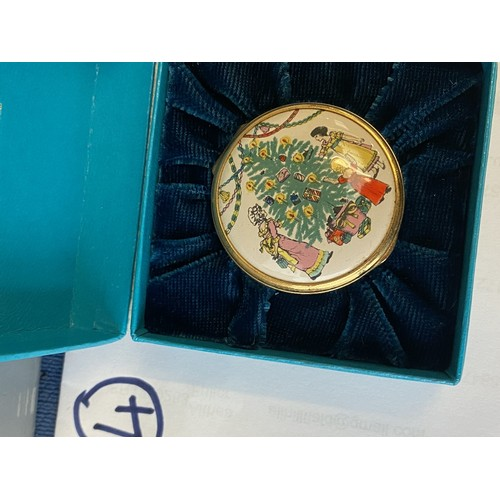 16 - Qty of good quality decorative items and gifts including Halcyon Days Smythson - see images for list...
