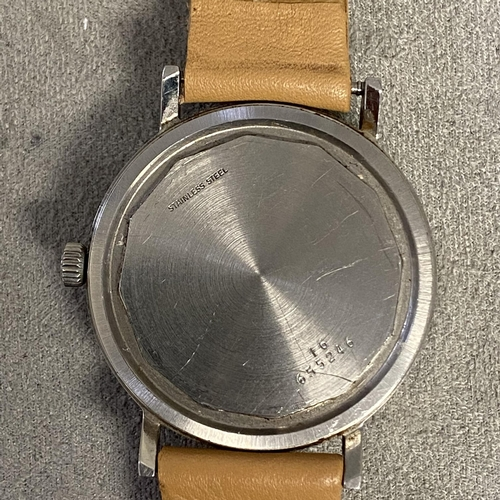 5 - Gents stainless steel case  Longines Conquest automatic wrist watch, 42mm stainless steel case