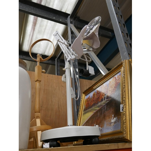 957 - MEDICAL LAMP PLUS 1...