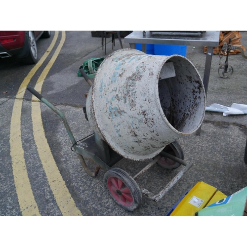 18 - ELECTRIC CEMENT MIXER...