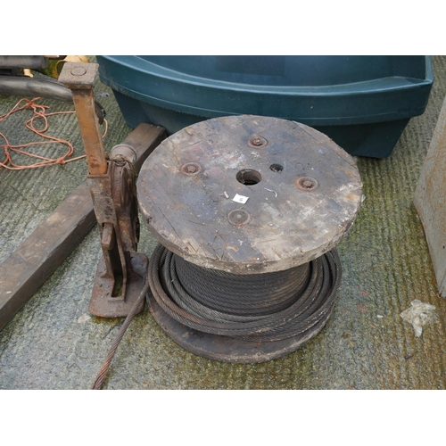 6 - COIL OF STEEL ROPE & JACK...