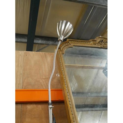 1002 - SINGLE STANDARD LAMP...