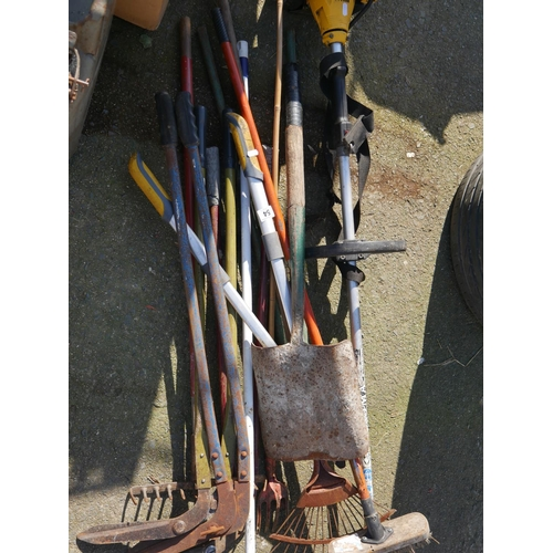 54 - LOT OF GARDEN TOOLS...