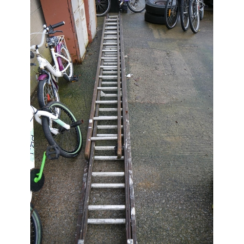 15 - LOT OF WOODEN LADDERS...