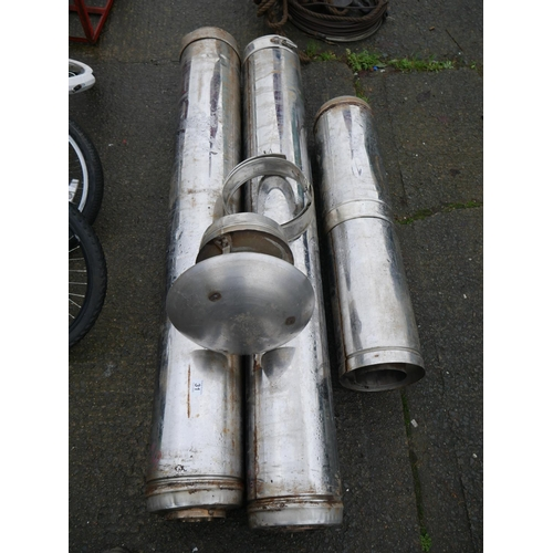 31 - LOT OF FLUE PIPING...