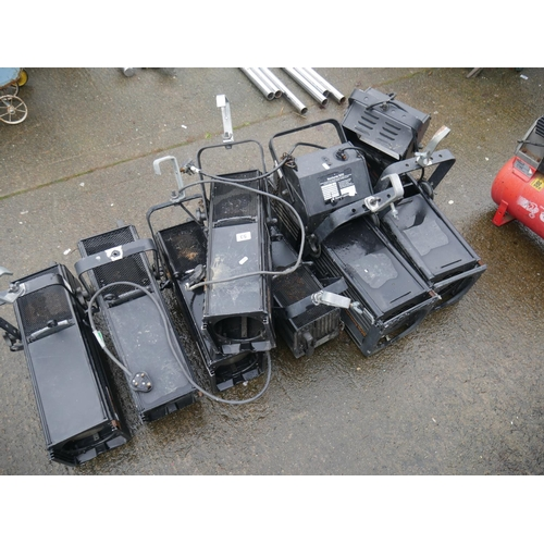 53 - LOT OF STAGE LIGHTS...