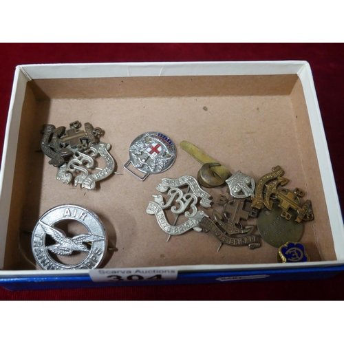 304 - BOX OF MILITARY BADGES...