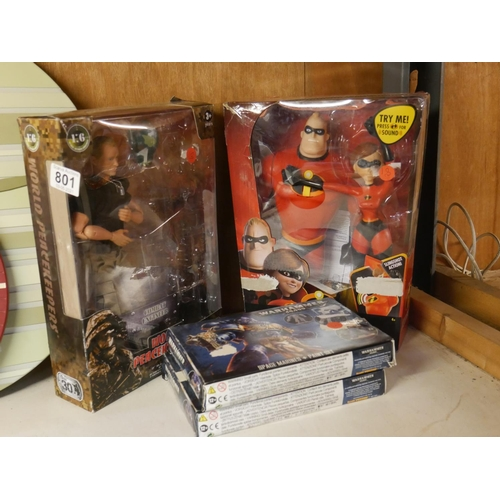 801 - LOT OF ACTION FIGURES...