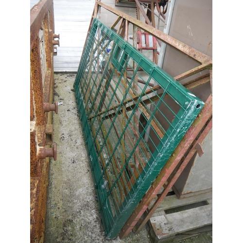 9 - SECURITY GATE...