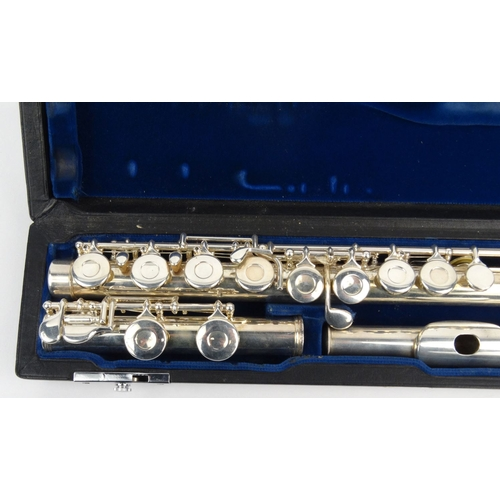 291 - Cased Gemeinhardi American silver flute, numbered H82847...