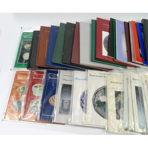 769A - Large collection of paperweight collector's books and annuals...