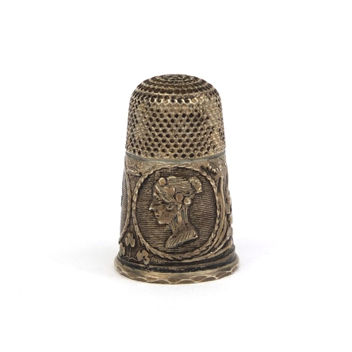 40 - Victorian silver coloured commemorative thimble decorated with portraits of Queen Victoria and Princ...