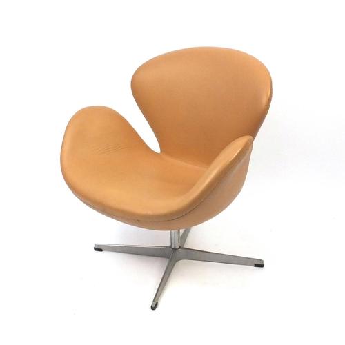 2044 - Arne Jacobsen design swan chair, 77cm high
