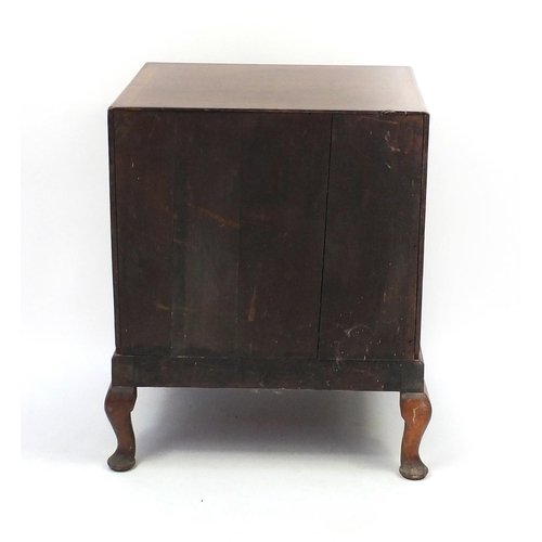 2052 - Walnut cross banded and feather banded three drawer chest on cabriole legs, 77cm high x 61cm wide x ...