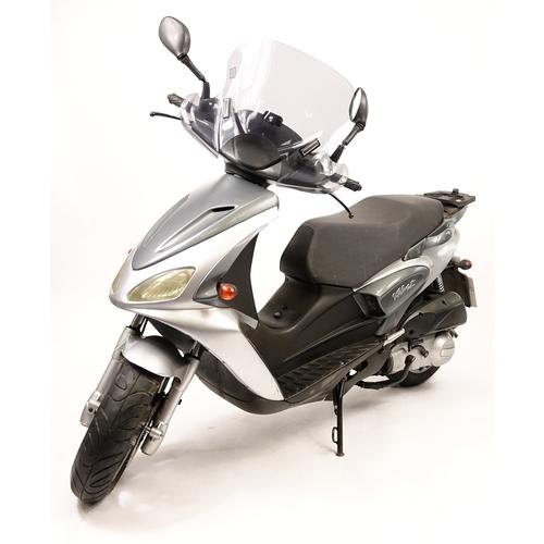 2001 - 2008 Benelli Velvet 125cc scooter, 10363 miles, MOT untill 11th January 2019...