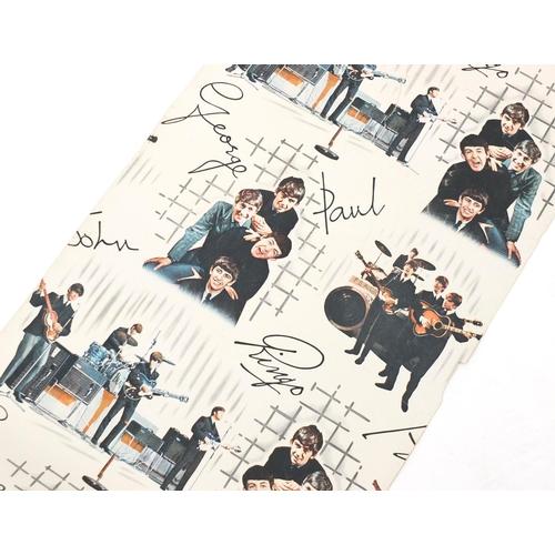 132 - Vintage roll of Beatles wallpaper, 52.5cm wide...