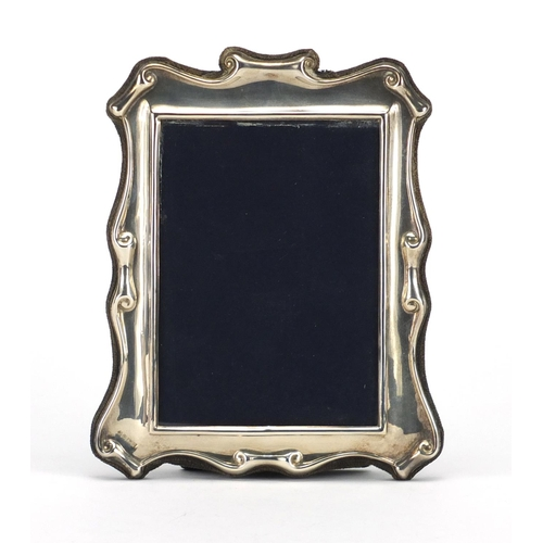 2258 - Rectangular silver easel photo frame, by Carrs, Sheffield 1987, 18.5cm high...