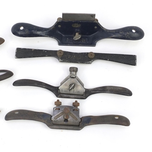 197 - Eleven vintage wood working Spoke shave planes including E Preston & Sons, Record, Stanley and Rapie...