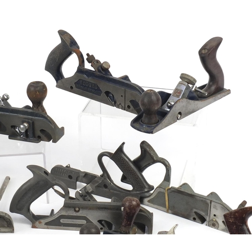 178 - Vintage wood working planes and Plough planes including Stanley No.50, three Stanley No.050, Record ...