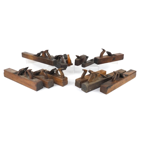 193 - Twelve vintage wood working block planes including Edward Preston & Sons, J Jones, W Mead and Ross &...