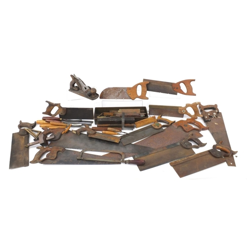 202 - Vintage wood working saws, planes, levels and chisels including Abble & Sanderson, H Groves & Sons, ...