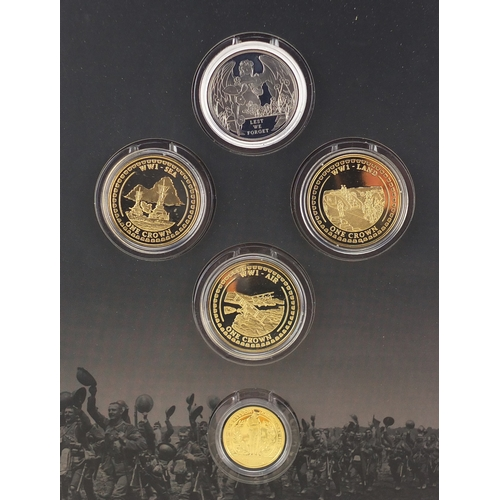 2793 - War to End all Wars Centenary coin set, including a 9ct gold double crown and a silver crown...