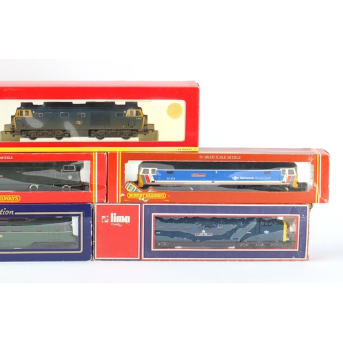 172 - OO gauge model railway with boxes including Hornby locomotive, Lima railcar and mainline railway die...