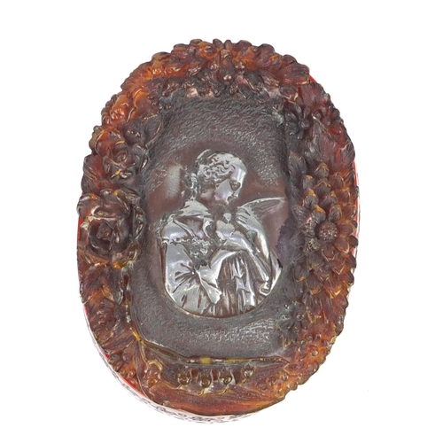 59 - French pressed snuff box, the lift off lid decorated with a female and flowers, signed to the base, ...