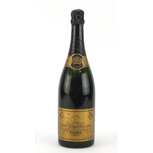 2225 - Bottle of 1961 Veuve Clicquot Ponsardin Champagne...