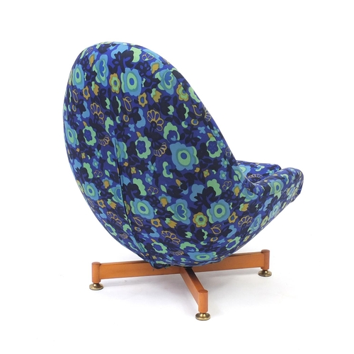2009 - Vintage fibre glass egg chair by Greaves & Thomas, 93cm high...