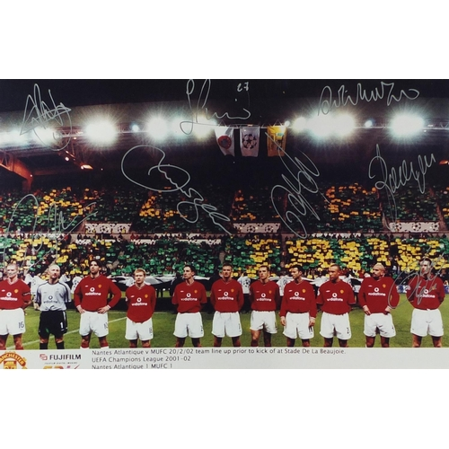 2059 - Manchester United signed photograph of the team line up prior to kick off v Nantes 20/2/02, includin...