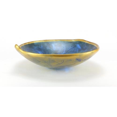 2039 - Large art glass centre bowl, 39cm in diameter