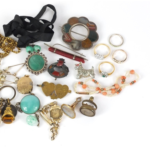 785 - Mostly antique jewellery including silver Scottish hard stone brooches, vulcanite locket, cameo broo...