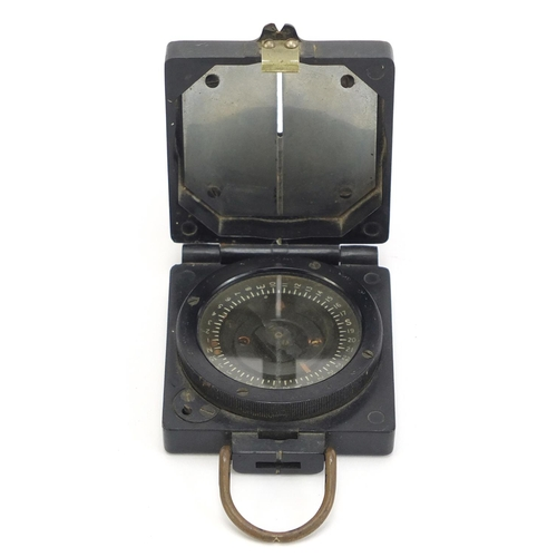 681 - Military interest bakelite mark I magnetic marching compass, by T G Co Ltd, numbered B22632, 6.5cm w...
