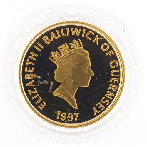 14 - Baliwick of Guernsey Elizabeth II 1999 gold proof twenty five pound coin commemorating Queen Elizabe...