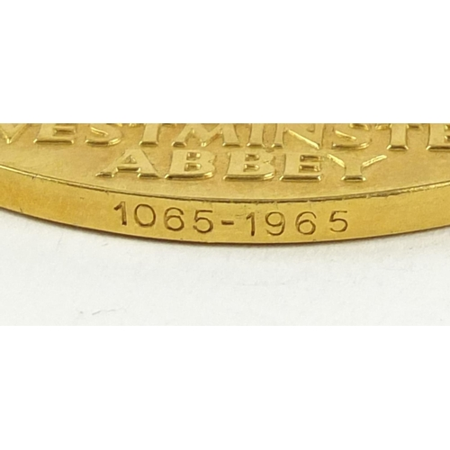 450 - 1965 22ct gold medal commemorating Westminster Abbey 900th Anniversary, with box and certificate num...