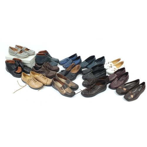 Fourteen pairs of ladies' Hotter shoes, sizes 4.5/5