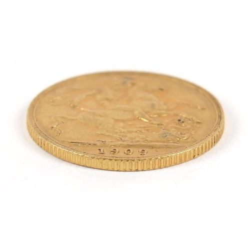 698 - Edward VII 1909 gold sovereign - this lot is sold without buyer's premium, the hammer price is the p...