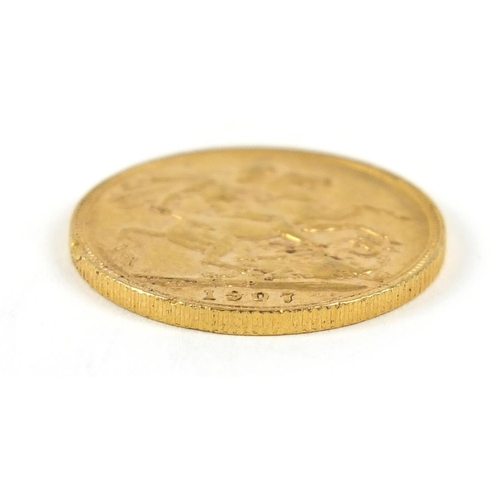 676 - Edward VII 1907 gold sovereign - this lot is sold without buyer's premium, the hammer price is the p...