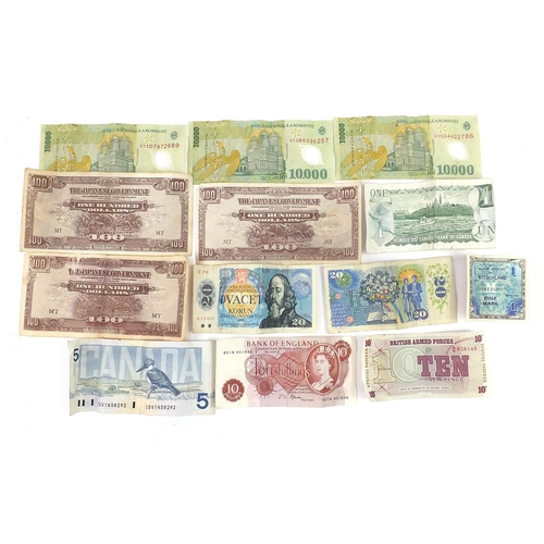 2568 - World banknotes including Japanese government one hundred dollars