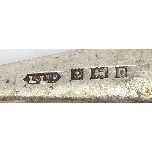 1086 - Five silver teaspoons, various hallmarks, the largest 12.5cm in length, total 62.0g