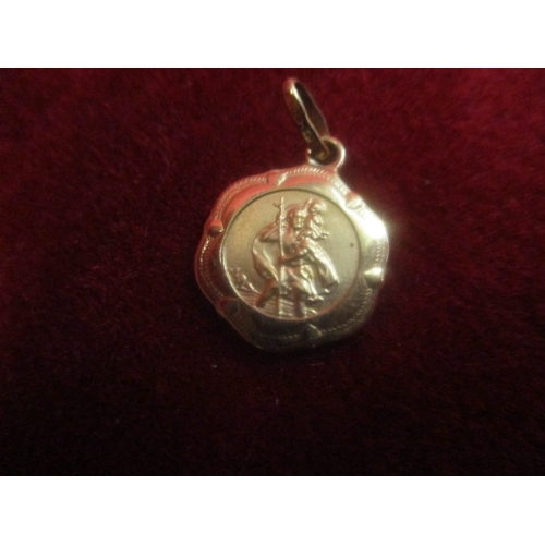 22 - SMALL 9CT GOLD ST CHRISTOPHER PENDANT...