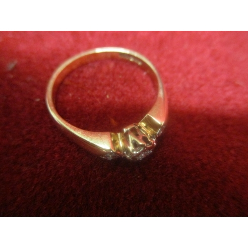 38 - 9ct GOLD DIAMOND RING...